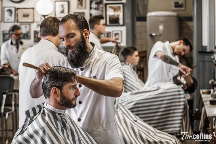Iván Rodríguez, de la New York Barbershop (Rotterdam), captado por Tim Collins